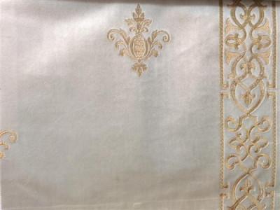 Бархат «Императорский» с вышивкой в золотых тонах арт. 130623А-2 молочный
