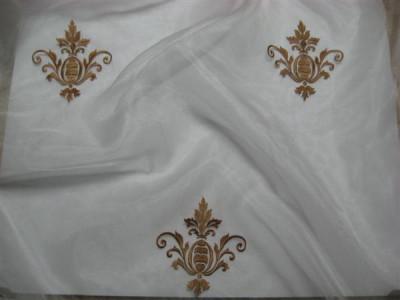 Тюль «Императорский» с вышивкой золотой нитью арт. 130623В-25 органза белая, коронка темно-бежевая